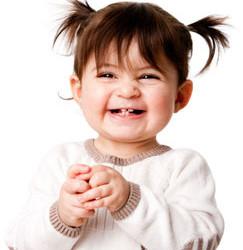 kleinkind lacht