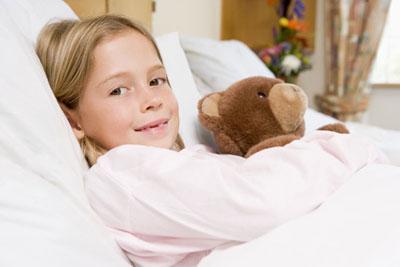 Kind im krankenhaus begleitperson