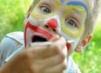 Kinder für den Fasching schminken – die besten Tipps